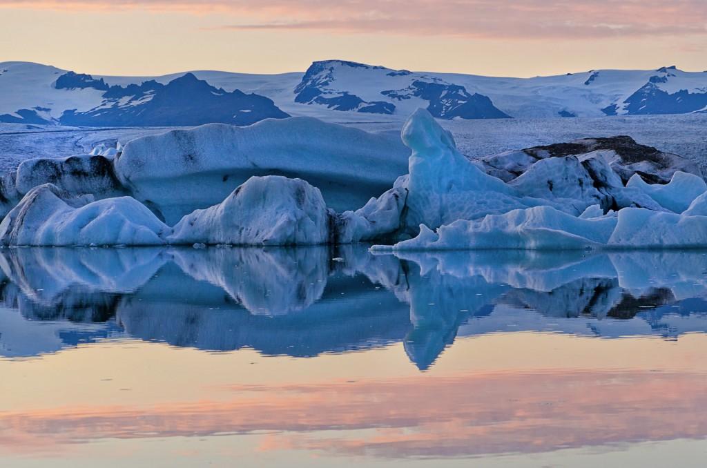 Die Farben des Gletschers (Island) © Roland Schweizer