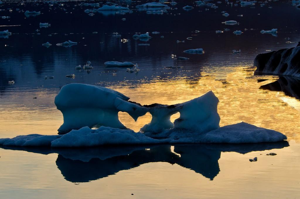 Eis-Herz (Island) © Roland Schweizer