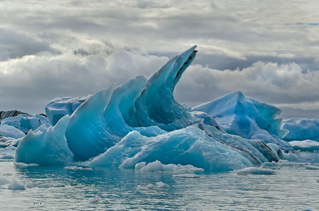 Eis-Welle (Island) © Roland Schweizer