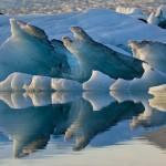 Gletscherreflektion (Island) © Roland Schweizer