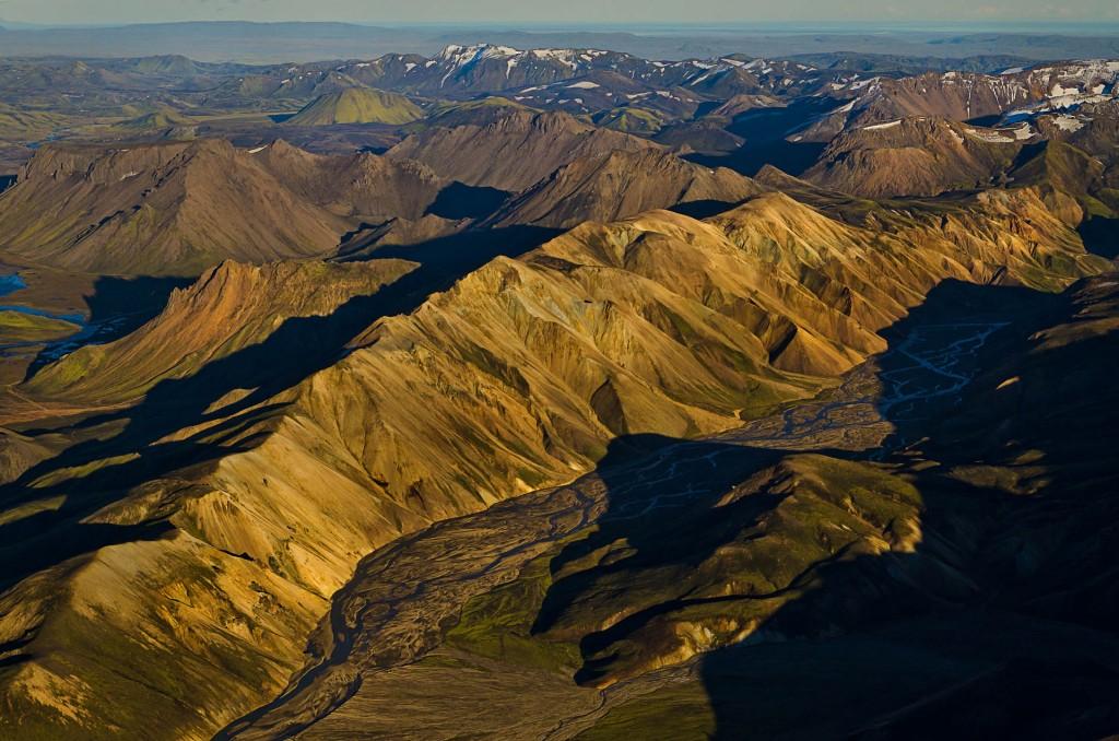 Landmannalaugar im Licht (Island) © Roland Schweizer
