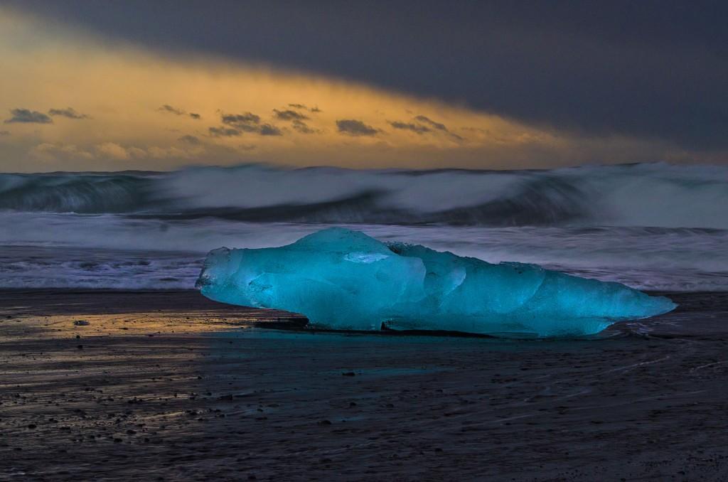 Gestrandet (Island) © Roland Schweizer